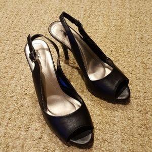 Dress Shoes/ High Heels